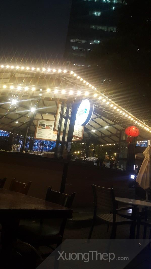 thi công mái thép cho quán cafe đẹp.