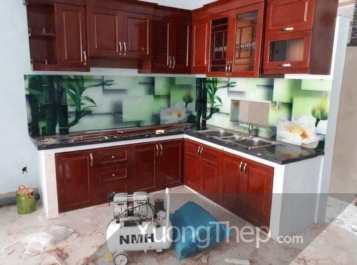 thiết kế thi công tranh kính đẹp cho nhà bếp.