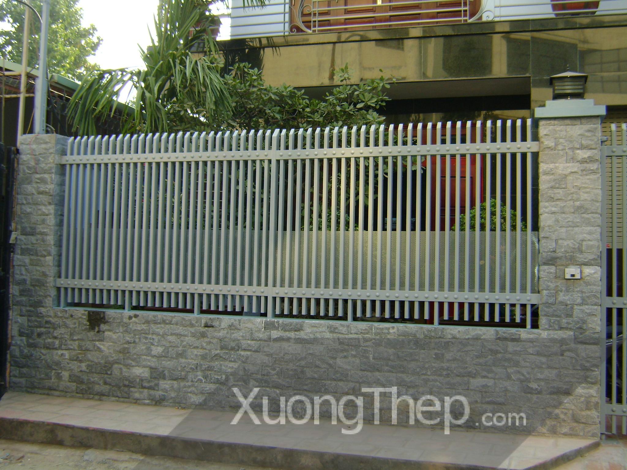 thi-cong-hang-rao-sat-dep-24