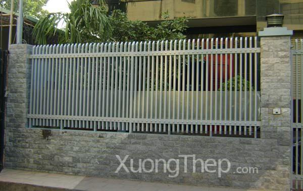 thi-cong-hang-rao-sat-dep-3
