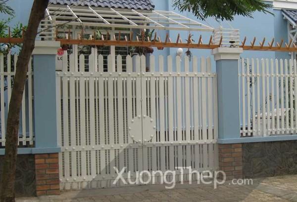 thi-cong-hang-rao-sat-dep-7