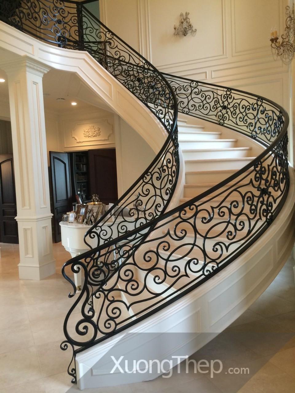 Cầu thang sắt – Mẫu cầu thang đơn giản, tiết kiệm và bền đẹp cho nhà sang