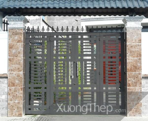 Mẫu cửa cổng sắt hộp 4 cánh đẹp