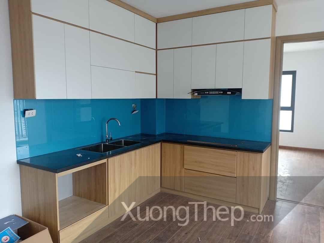 Thi công kính nhà bếp đơn giản, đẹp và sang cho căn hộ Resco Cổ Nhuế